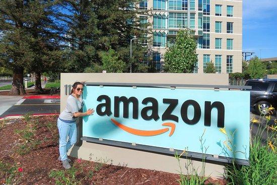 Golden Horizon Tours: Amazon offices