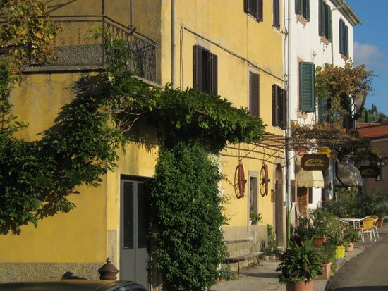 Roccalbegna, Italia: Ho voluto immortalare il luogo dove avevo mangiato bene.