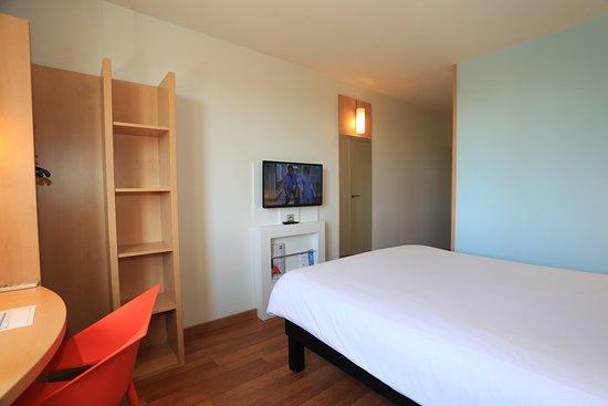 Ibis aurillac hotel france voir les tarifs 134 avis for Chambre d hote aurillac
