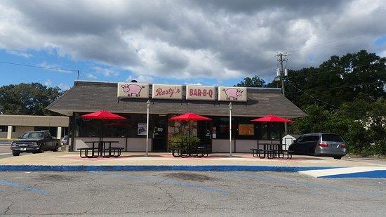 Front of Rusty's Bar-B-Q