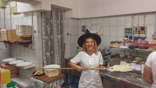 Foglizzo, Włochy: Ciao oltre le pizze ci sono annche molte sorprese dolciarie venite a trovarci sarete i benvenuti