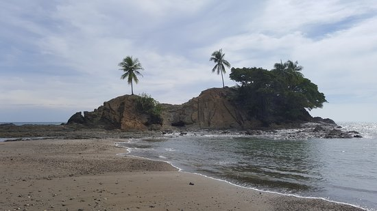 Costa Paraiso: Rock formation in front of the resort