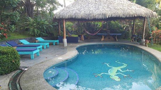 Costa Paraiso: The pool and cabana
