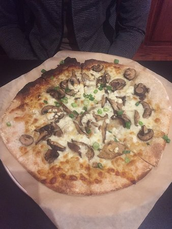 Northfield, MN: Truffle and Wild Mushroom Pizza - fantastic.