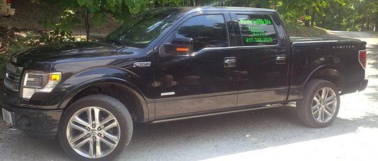 Branson, MO: Only transportation service with a Ford F150.