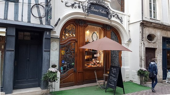 Devanture du salon de th photo de dame cakes rouen for Salon du chiot rouen