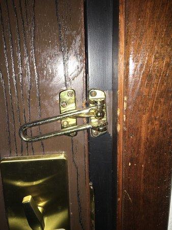 Clarion Hotel & Conference Center: Broken door bolt and moldy shower