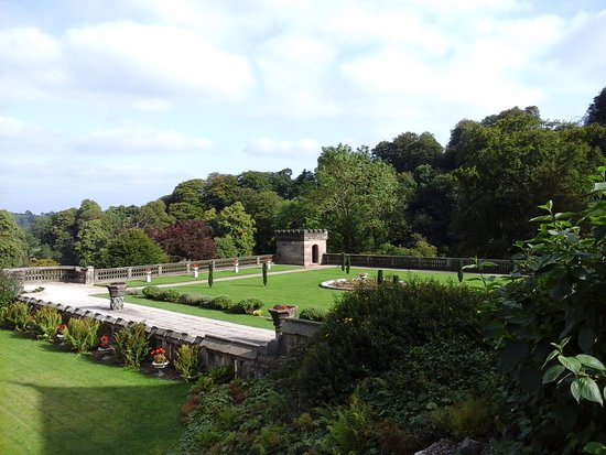 Ilam, UK: garden views