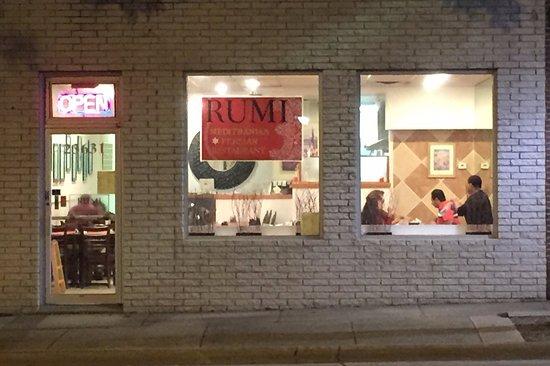 Farmington, MI: Rumi, outside night