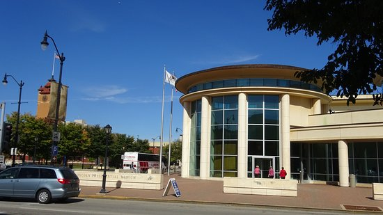 Abraham Lincoln Presidential Library and Museum : Lincoln Museum