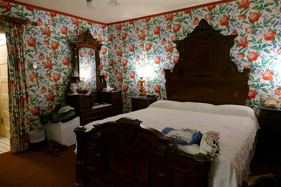 Martine Inn: This is the Carriage room