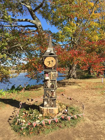 Old Lyme, CT: Fall foliage, the Lieutenant river and a Faerie house - pretty scene