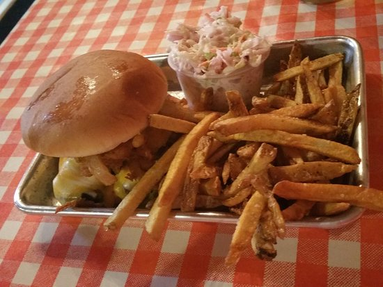 West Olive, Мичиган: Brisket comes with fries and coleslaw