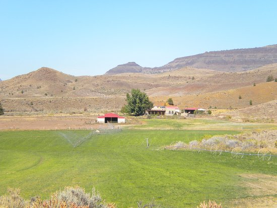 John Day Fossil Beds National Monument: nice depiction of the area
