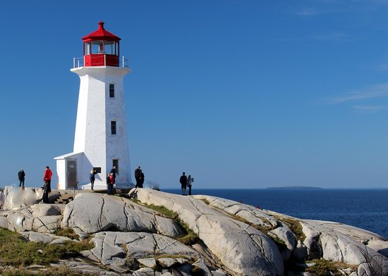 Peggy's Cove, كندا: Famous lighthouse overlooking ocean