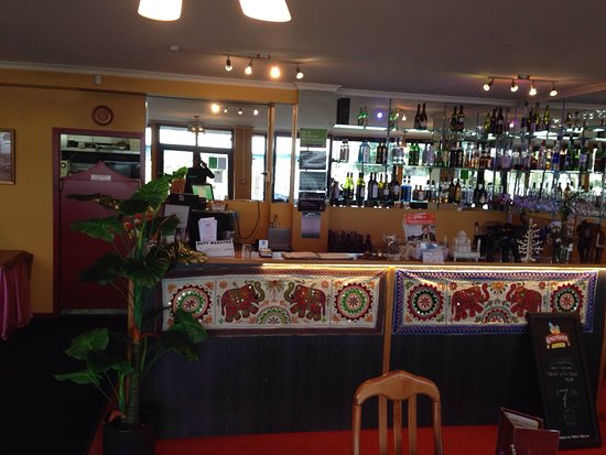 Whangamata, New Zealand: Dine in and Bar area..