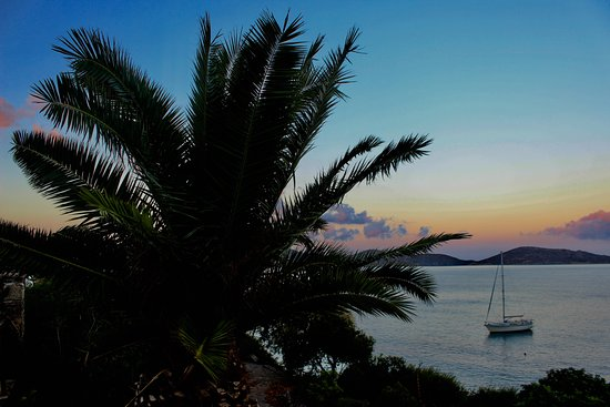 Elounda Mare Relais & Chateaux hotel: Evening view from villa