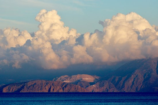 Elounda Mare Relais & Chateaux hotel: Dramatic clouds across the bay