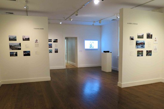 Putnam History Museum: Main exhibit space - with show on modern residential architecture