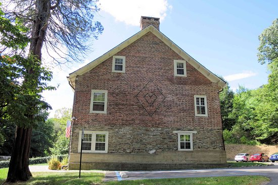 Marlboro, NY: Gomez Mill House - note the heart in the brick pattern
