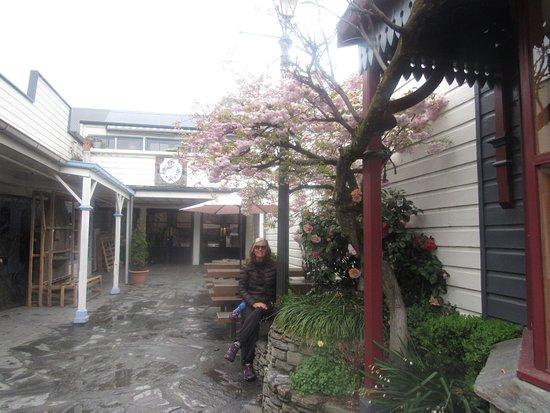 Arrowtown, New Zealand: A vila parece cidade do velho oeste.