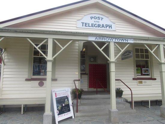 Arrowtown, New Zealand: Todas as casas e lojas são lindas assim.