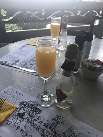 Pineland, FL: Cabbage Key Inn Restaurant
