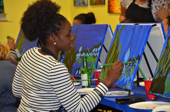 Paint and Sip Classes in Rutherford, NJ