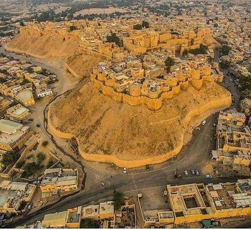 Jaisalmer Desert Camp: jaidalmer fort the golden fort