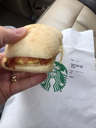 Cottage Grove, MN: Yummy little breakfast sandwich!