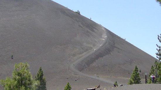 ‪‪Mineral‬, كاليفورنيا: Trail to the Top of Cinder Cone‬