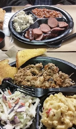 Havelock, NC: small size sausage and pulled pork plares