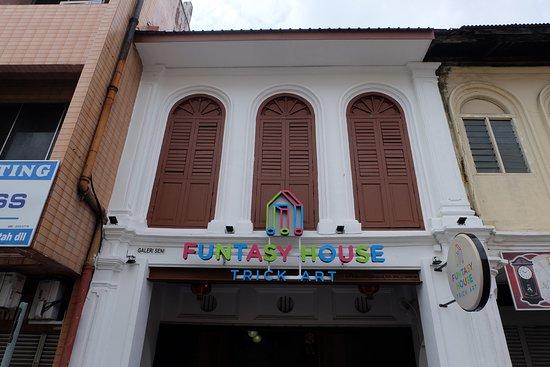 Ipoh, Maleisië: Funtasy House Trick Art Facade