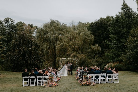 Buttermilk Falls Inn & Spa: Ceremony Site (Photo from Jesse Pafundi, Golden Hour Studios)