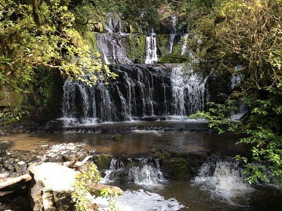 Papatowai, Nueva Zelanda: Main waterfall at walkway end