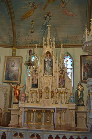Schulenburg, TX: St. Mary's Church of the Assumption - Alter