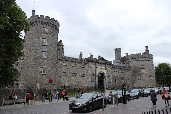 كيلكيني, أيرلندا: entrada
