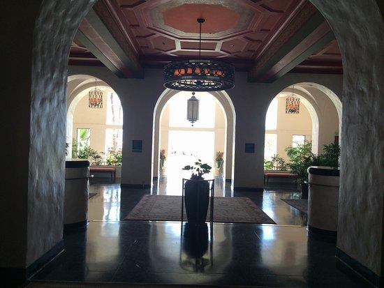 The Royal Hawaiian, a Luxury Collection Resort: photo2.jpg