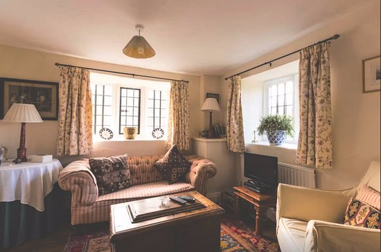 Uley, UK: Living room at The Court House
