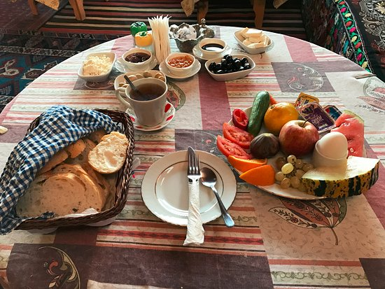 Homeros Pension & Guesthouse: Breakfast