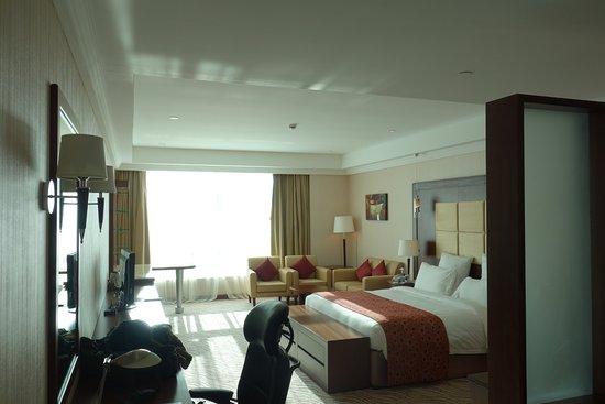 Park Regis Kris Kin Hotel: Junior Suite