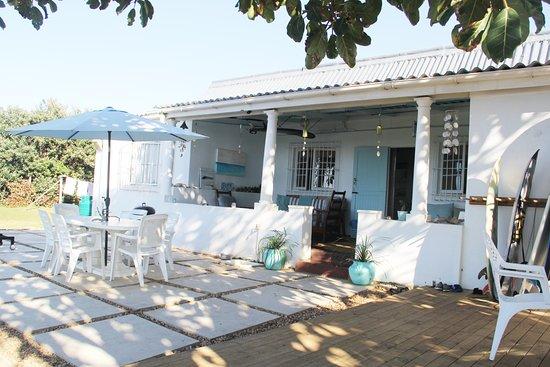 Umzumbe, South Africa: Beach Side Patio
