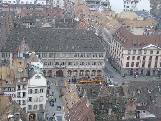 Catedral de Notre Dame de Estrasburgo: La place de la cathédrale vue depuis le plateforme
