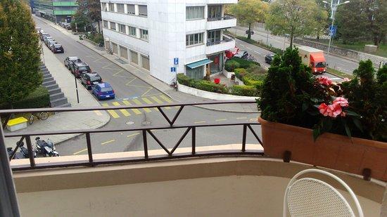 Eden Hotel Geneva : Single room balcony view