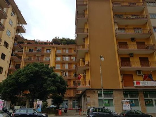 IN CENTRO 33 2018 Prices & Reviews Salerno Italy s of