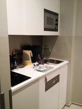 Lux 11: die Küche war nett - und sauber.
