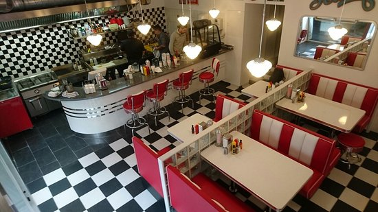LocationPhotoDirectLink G190454 D11645160 I227251094 Teddy s American Diner Vienna together with The Fifties Kitchen also Extensions moreover Last Cup Of Coffee At The Newton Diner furthermore American Diner. on american diner interior