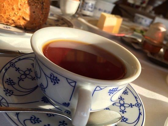 Janssen's Hotel: Frühstück mit Ostfriesentee