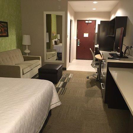 Lake City, FL: Bright, spacious rooms!