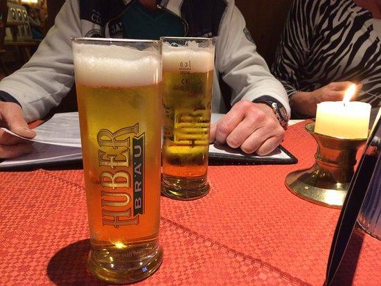 Brixen im Thale, Austria: Heerlijk Huber bier uit sint Johan in tirol
